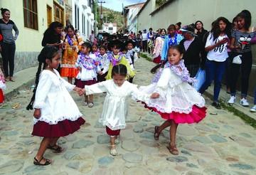 Despiden Carnaval con fiesta moderada en Sucre y Yotala