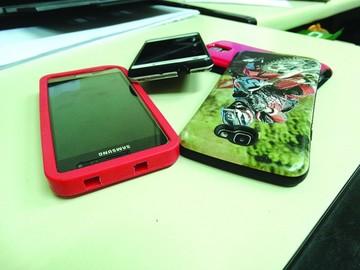 Cada día se reporta el robo  de 517 celulares en Bolivia