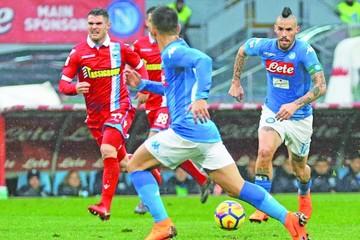 Nápoles no falla y prolonga  el pulso con el Juventus