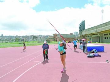 Sucre evalúa a atletas para los trasandinos