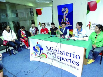 Diez atletas irán a China