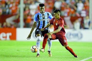 Gremio e Independiente en la revancha por la recopa