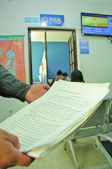 Universitaria denuncia en la Fiscalía a ex tutor