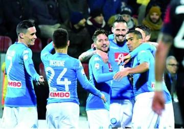 Nápoles aumenta su ventaja y sueña con el título en Italia