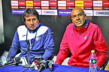 Wilster recupera a Alex da Silva y espera a Zenteno