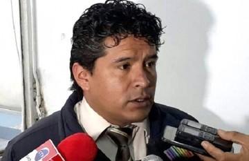 Suspenden y procesan al fiscal Almanza por denuncias en caso Banco Unión