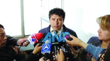 Cae fiscal por denuncia de extorsión de Juan Pari