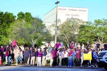 Estudiantes de Parkland vuelven armados de valor