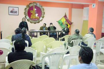 Habrá agendas paralelas de cívicos y oficialistas