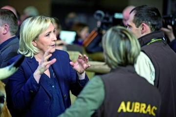 Imputan a Le Pen por publicar fotos de ejecuciones