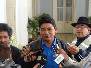 Dos secretarios dejan su cargo en la Gobernación