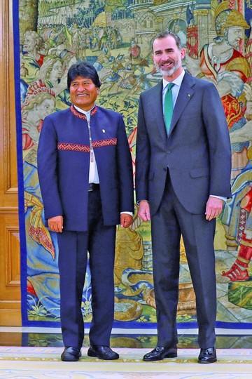 España valora aporte de la colectividad boliviana