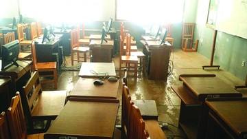 Roban 16 computadoras en dos colegios de Sucre