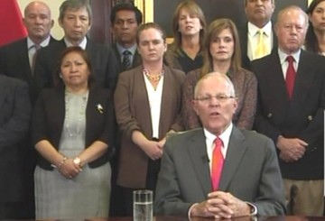 """Perú: Kuczynski justifica su renuncia por """"clima de ingobernabilidad"""""""