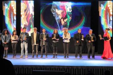 Artistas se llevan premios Eduardo Abaroa