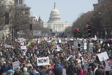 EEUU: Jóvenes reclaman mayor control de armas