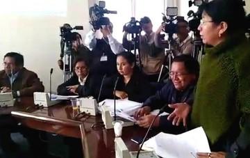 Comisión aprueba ley contra el contrabando en una bochornosa sesión