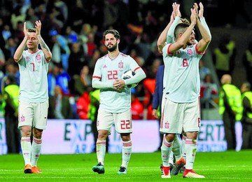 España acuerda premios