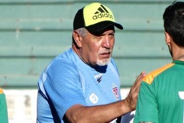 Oscar Sanz deja en manos de los dirigentes su continuidad en la U de Sucre