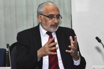 Carlos Mesa apoya investigar a Odebrecht y dice que no ejecutó Roboré-El Carmen