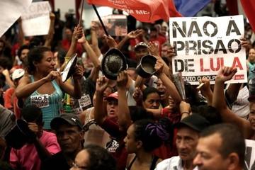 """El Supremo toma un receso inclinado a negar el """"habeas corpus"""" de Lula"""