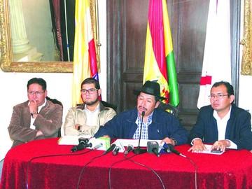 """Límites: """"Vice"""" pide acatar fallo, Santa Cruz opta por las medidas"""