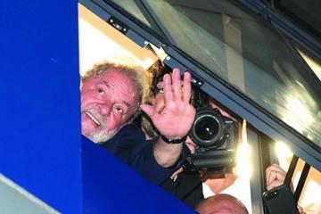 Brasil: Lula se atrinchera y desafía orden judicial