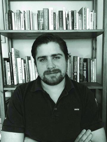 """A propósito de """"Nos reservamos  el derecho de admisión""""  de Pablo Barriga Dávalos"""