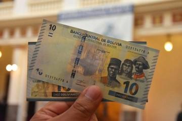 Nuevo billete de Bs 10 entra en circulación y Evo reclama por la hoja de coca