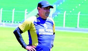 Zamora demanda por deudas a Real Potosí ante FIFA
