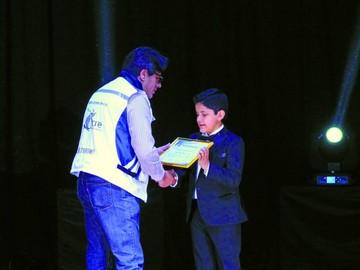 Niños artistas son homenajeados por la Alcaldía de Sucre