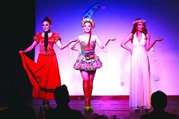 """Ana Victoria Barrientos es """"Miss Talento Orígenes"""""""