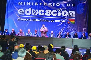 Gobierno y COB debaten sobre aumento 2018