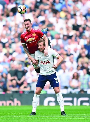 Manchester avanza a la final