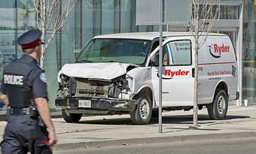 Atropello múltiple deja 10 fallecidos en Toronto