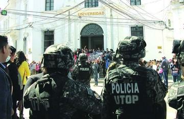 Actos violentos marcan crisis en la Universidad