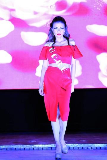 Elección de Mejor Rostro, Traje Típico y Miss Elegancia