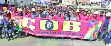 Gobierno revalida alianza con obreros y divorcio con privados
