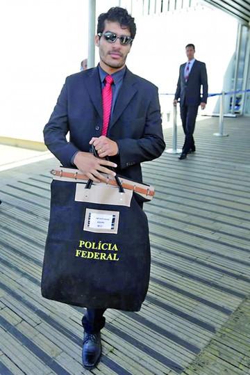 Brasil: Policía desarticula banda de lavado de dinero