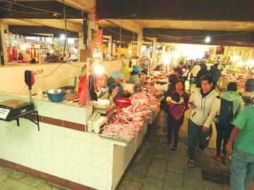 Sucrenses se vuelcan a mercados