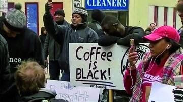 Pagan 1 dólar por detención sin motivo en Starbucks