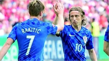Modric y Rakitic encabezan la lista oficial de Croacia