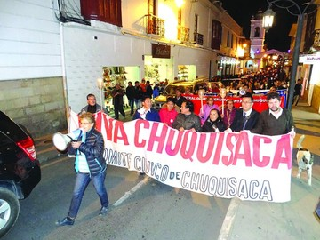 Marcha de teas ratifica molestia por Incahuasi