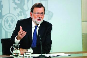 PSOE quiere sacar del Gobierno a Rajoy