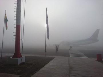 Densa neblina en Alcantarí demora vuelos a Santa Cruz