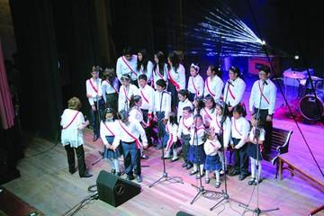 Escuelas municipales despliegan arte