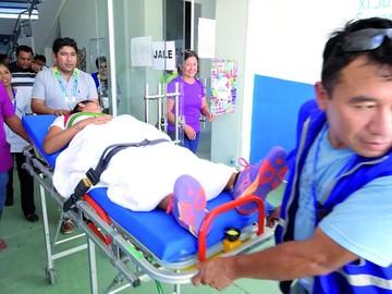 Tenistas acaban a hospital tras un partido exigente