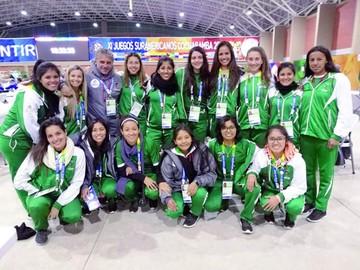 Bolivia alcanza triunfos en hockey sobre césped y box