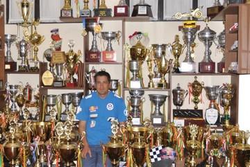 Edwin Gutiérrez cambió el volante por el escritorio