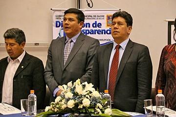 Leaño deja la Alcaldía  y opositores ven crisis